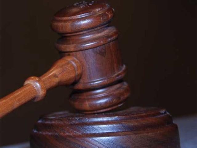 """Radca prawny z Koszalina dostał zakaz wykonywania zawodu, który będzie obowiązywał przez trzy kolejne lata. To dużo surowsze orzeczenie, wydane przez Wyższy Sąd Dyscyplinarny w Warszawie, niż to, które zapadło w Sądzie Dyscyplinarnym w Koszalinie. A właśnie orzeczenie z Koszalina zaskarżył minister sprawiedliwości, uznając, że było """"rażąco niewspółmierne w stosunku do stopnia społecznej szkodliwości""""."""
