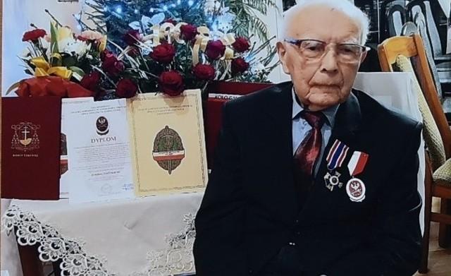 Henryk Jasiński mieszka w Szembruku w Gminie Rogóźno pod Grudziądzem. 5 stycznia świętował setne urodziny