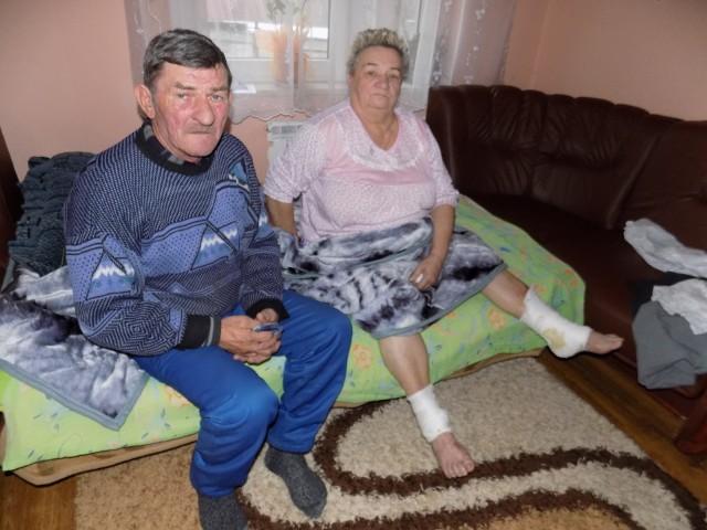 Józef i Alicja Labutowie z Bączala Dolnego do dzisiaj nie mogą uwierzyć w to, co ich spotkało. - Mieszkaliśmy w tym domu 50 lat. Myśleliśmy, że spędzimy w nim spokojną starość - mówią.