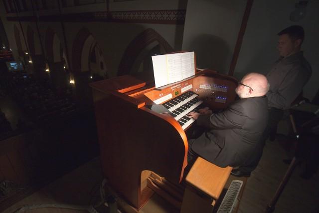 W kościele Mariackim odbył się koncert na odnowionych organach. Zapraszamy do galerii zdjęć.