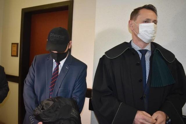 We wtorek, 2 marca 2021 r. w Sądzie Rejonowym w Pleszewie rozpoczął się proces księdza oskarżanego o molestowanie seksualne nieletniego. Arkadiusz H. przyznał się do winy.