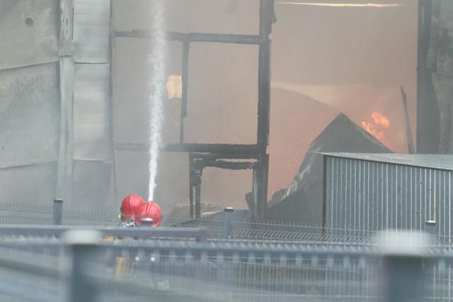 Do wybuchu ognia doszło po południu w niedzielę, 11 kwietnia