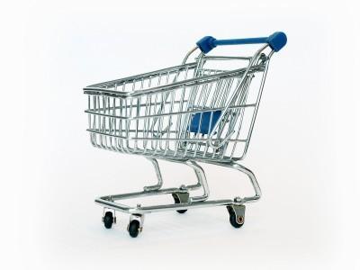 Robiąc zakupy dokładnie sprawdzajmy ceny towarów.