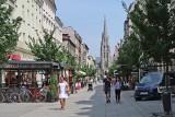 Tak zmieniły się Katowice. Wyrosły biurowce, zniknął hotel Silesia, inny jest rynek. Rozpoznajecie miejsca na zdjęciach?
