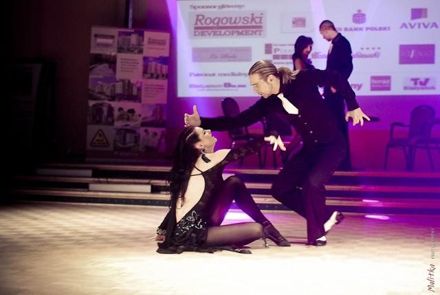 Podczas tanecznej gali wystąpią najlepsze taneczne grupy pokazowe m.in. Magda Pożarska i Hubert Pierzchało.