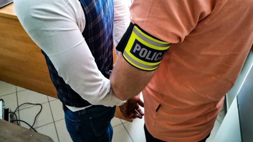 Białystok. Sąd aresztował troje obywateli Rumunii podejrzanych o kradzież biżuterii (zdjęcia)
