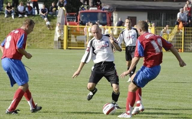Na inaugurację rundy wiosennej do Bytowa przyjedzie Gryf 95 Słupsk. W pierwszym meczu jesieni 2008 roku w Słupsku było 0:0.