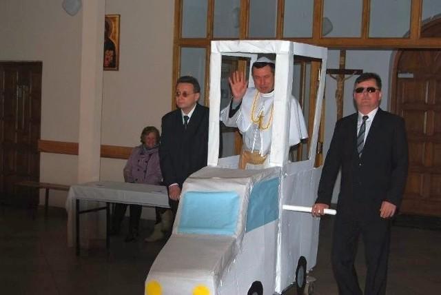 Inscenizacja zamachu na Papieża Jana Pawła II. Z okazji kanonizacji...