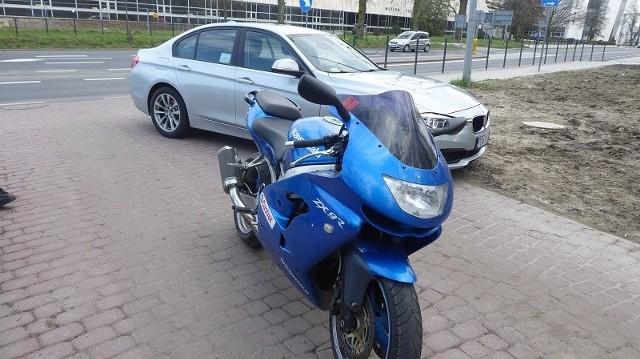 Kierowca motocykla na drodze o ograniczeniu do 100 km/h jechał ponad 130 km/h i pomimo sygnału nie zatrzymał się do kontroli drogowej.