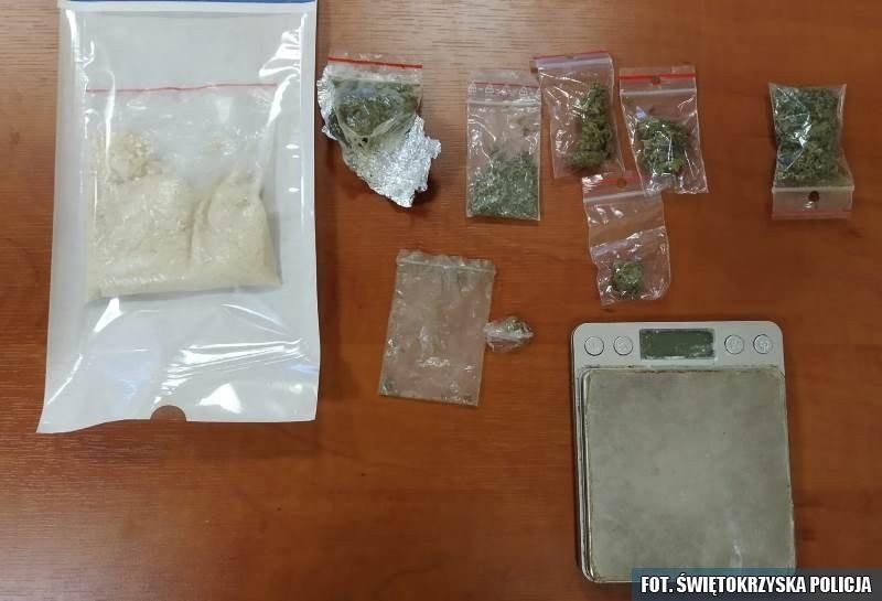 Narkotyki przejęte przez policjantów w gminie Kluczewsko