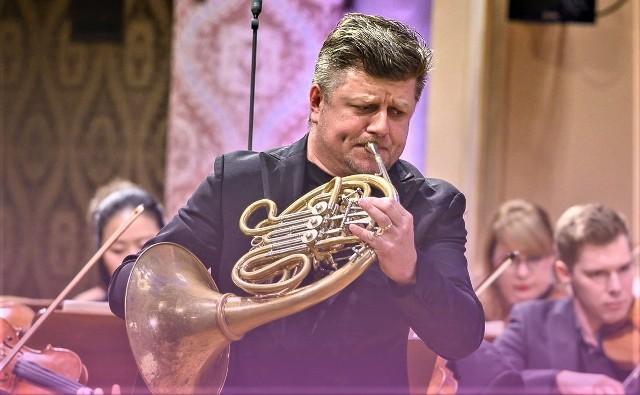 Światowej sławy czeski waltornista Radek Baborak poprowadzi Orkiestrę Filharmonii Zielonogórskiej oraz wystąpi jako solista koncertu 20 sierpnia kościele pw. Najświętszego Zbawiciela w Zielonej Górze