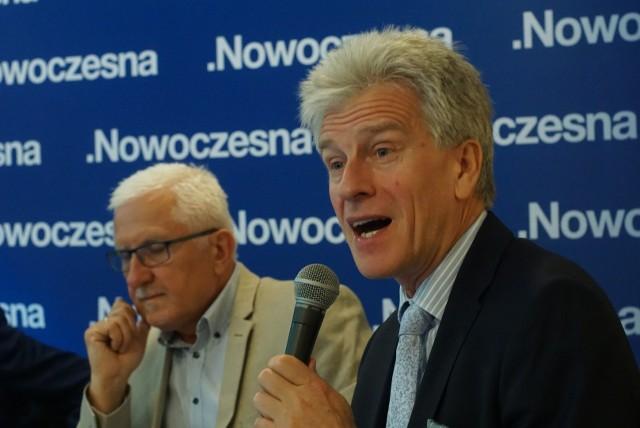Kongres Nowoczesnej w Poznaniu: PiS niszczy samorządy