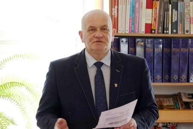 Andrzej Kruczkiewicz, starosta nyski z PiS, przyjął szczepionkę na COVID-19 poza kolejnością. Solidarna Polska stawia mu ultimatum