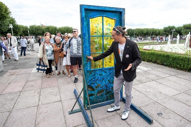 Piotr Harhaj przy Drzwiach do Tolerancji podczas ubiegłorocznej edycji