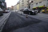 Mój Reporter: Co się dzieje z nawierzchnią przy ul. Traugutta?