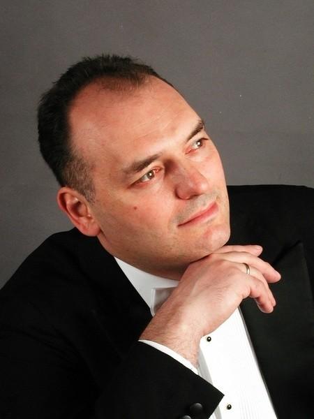Jedną z gwiazd koncertu sylwestrowego będzie tenor Tomasz Kuk.
