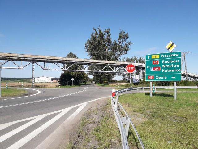 GDDKiA w Opolu wybuduje rondo na skrzyżowaniu drogi krajowej nr 45 z wojewódzkimi 415 i 429 w Zimnicach Małych w rejonie taśmociągu.
