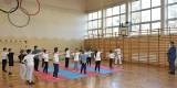 Dzieci z Iwanisk trenują taekwondo na zajęciach SKS (ZDJĘCIA)