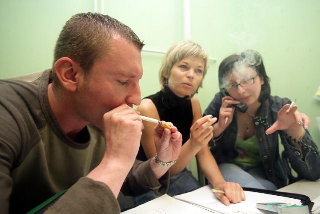 Nadchodzą ciężkie czasy dla palaczyKoszty leczenia palaczy wynoszą ok. 18 mld zł rocznie