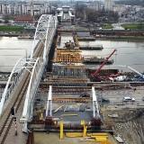 Kraków. Widać już pierwsze elementy nowego mostu na Wiśle