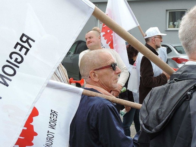 Migawka z manifestacji związkowców pod biurowcem Solino