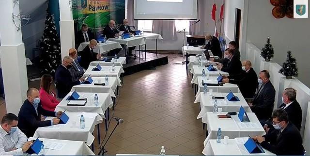W sierpniu ubiegłego roku Rada Gminy Pawłów jednomyślnie stwierdziła wygaśnięcie mandatu Andrzeja Dziekana, radnego gminy Pawłów już w drugiej kadencji.