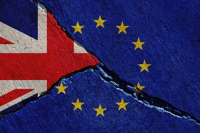 Polacy chcą jednak zostać na Wyspach po brexicie