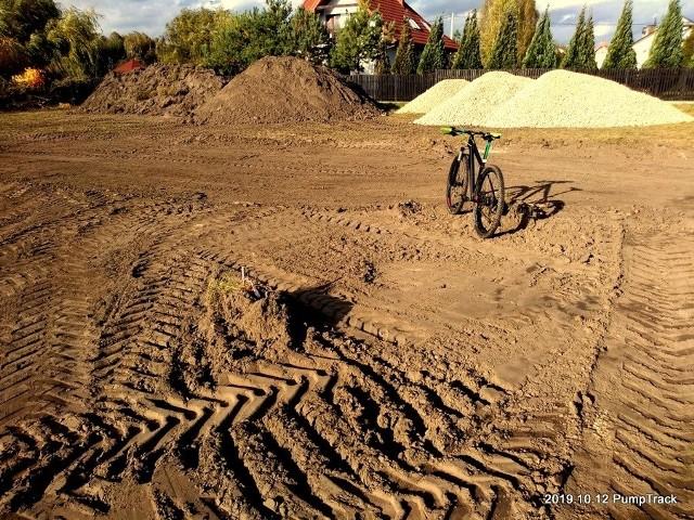 Ruszyła budowa pumptracku w Rzekuniu