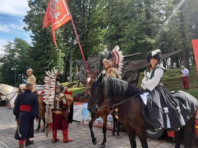 W 2020 roku w gminie promowano Mikołaja Zebrzydowskiego na różne sposoby