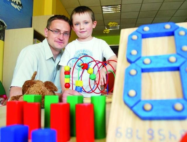 Jezyka angielskiego najlepiej uczyć się od dziecka – mówi Mirosław Rybałtowski