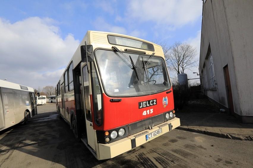 Najstarszym autobusem, który obecnie eksploatuje Miejski...