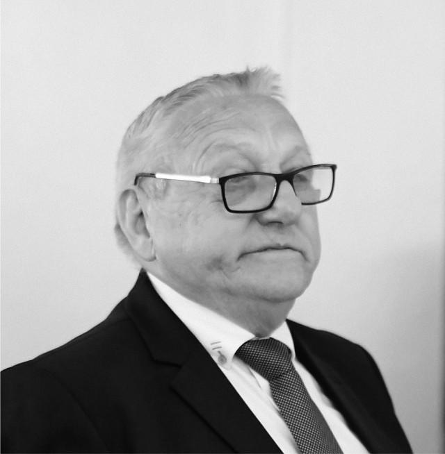Jerzy Piechocki był nauczycielem, trenerem, ale także radnym Rady Miejskiej w Lipnie  w latach 2014-2018.