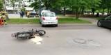 Wypadek motocykla z seatem w Łodzi! Są ranni. ZDJĘCIA. Rośnie liczba wypadków z udziałem jednośladów. Policja apeluje o rozwagę