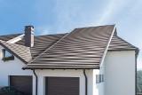 Odcienie szarości na twoim dachu – nowoczesny dom