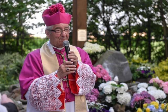 Arcybiskup Sławoj Leszek Głódź był  Honorowym Obywatelem Białegostoku od 30 października 1995 roku. Dziś [27.04.2021] radni pozbawili go tytułu.