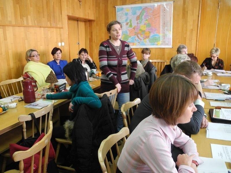 Nauczyciele i rodzice są rozgoryczeni. Liczyli, że uda im się uratować szkołę w Tawęcinie.