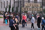Warszawa: Noc Muzeów 2021. Ogromne kolejki przed muzeami