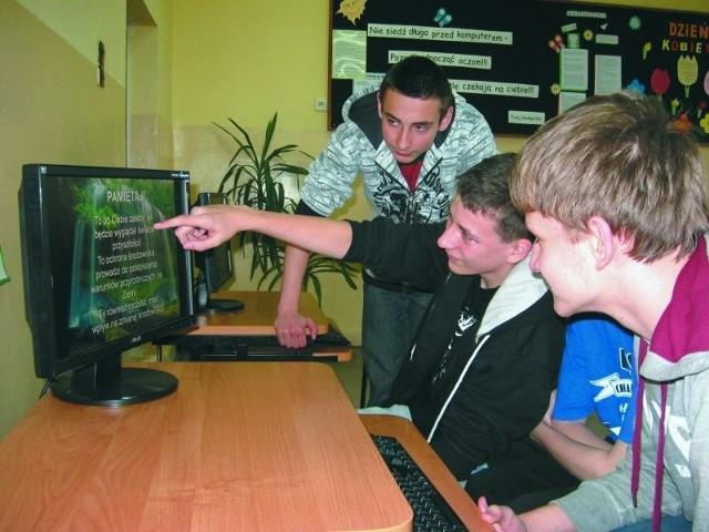 Uczniowie PG nr 16: (od lewej) Patryk Bromboszcz, Tomasz Kołtun i Andrzej Omieljanowicz mają różne ciekawe pomysły na prezentację proekologiczną