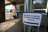 Szczepienie przeciw COVID-19 w aptekach i zakładach pracy? Zobacz pomysły rządu na nowe miejsca szczepień