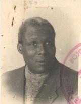 """Czarnoskóry powstaniec """"Ali"""". Kim był August Agbola O'Brown, który walczył w Powstaniu Warszawskim? Niezwykła historia przybysza z Nigerii"""