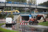 Kraków. Przedłuża się remont drogi pod wiaduktem nad ul. Prądnicką. Kierowcy mają dość utrudnień [ZDJĘCIA]