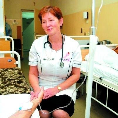 Czasem osobie umierającej potrzebne jest po prostu nasze towarzystwo, potrzymanie za rękę - mówi dr Jolanta Iwanowska