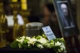 Pogrzeb Andrzeja Wajdy. Urna wystawiona w bazylice Dominikanów [ZDJĘCIA, WIDEO]
