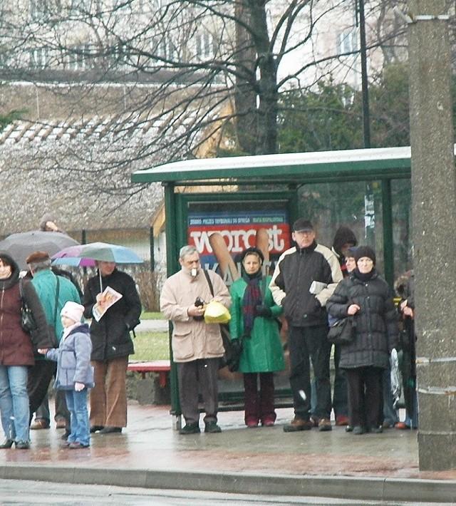 Pasażerów nie zabierze już autobus linii E. Do odwołania.