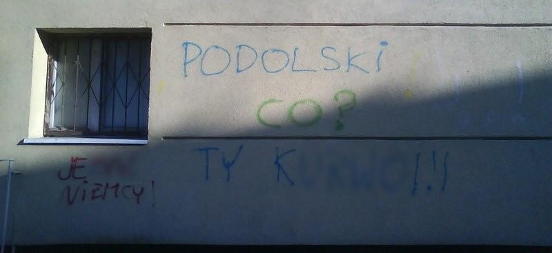 Napisy w centrum Słupska.