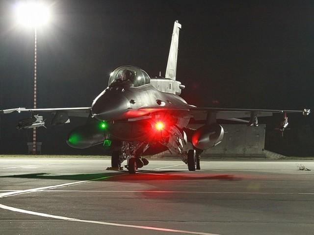 Podczas ćwiczenia Raróg 13 żołnierze z Międzyrzecza szlifowali m.in. współprace z pilotami myśliwców.