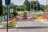 Utrudnienia w ruchu na Antoniuku. Część ulicy Narewskiej jest nieprzejezdna, powstaje tam ciąg pieszo-jezdny