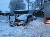 Wypadek w Mierzeszynie w gminie Trąbki Wielkie - zderzyła się osobówka z ciężarówką [11.02.2021] Jedna osoba trafiła do szpitala