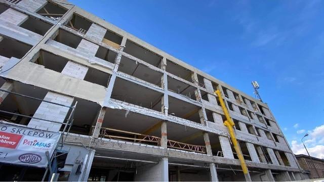 Na terenie Gorzowskiego Rynku Hurtowego przy ulicy Targowej jednocześnie realizowane są trzy duże inwestycje. To remont budynku biurowego, byłej hali targowej oraz hotelu.