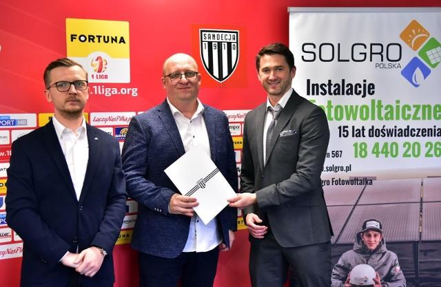 Od teraz firma Solgro z Paszyna gra razem z Sandecją!
